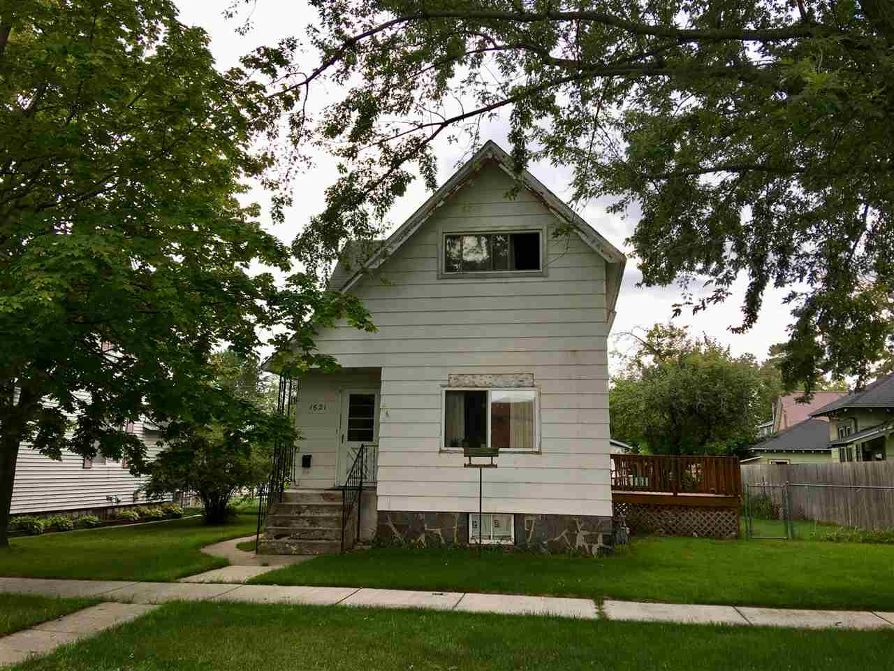 View Single-Family Home For Sale at 1621 ELIZABETH AVENUE, Marinette, WI