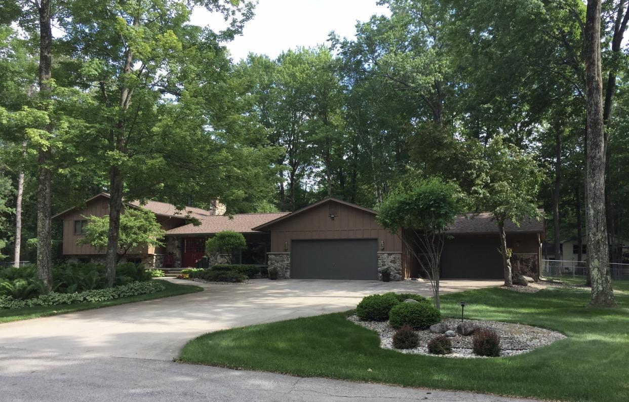 View Single-Family Home For Sale at 451 Marnie Ln, Peshtigo, WI
