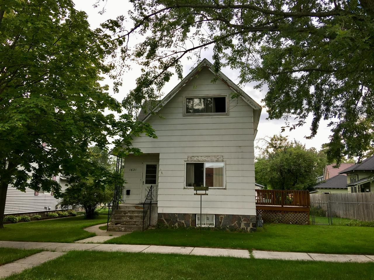 View Single-Family Home For Sale at 1621 Elizabeth, Marinette, WI
