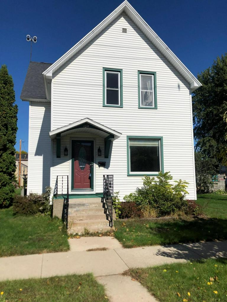 View Single-Family Home For Sale at 1614 Sherman St, Marinette, WI