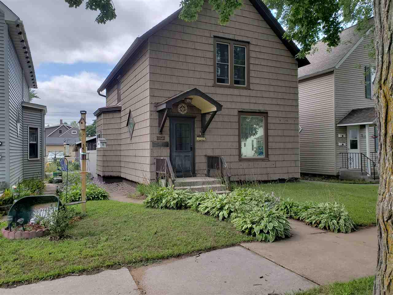 View Single-Family Home For Sale at 1341 MERRYMAN STREET, Marinette, WI
