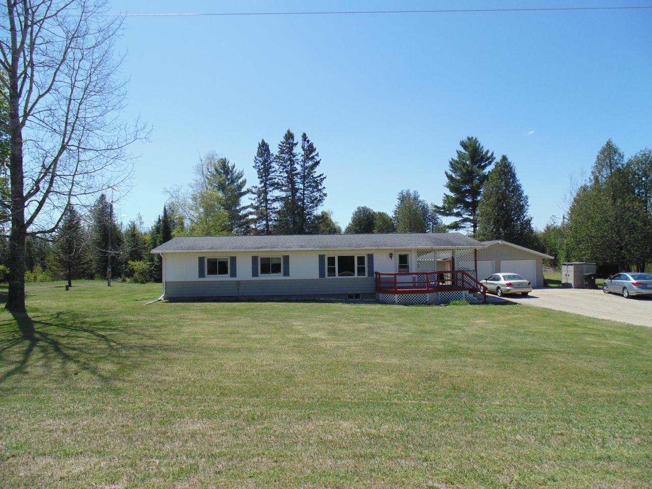 View Single-Family Home For Sale at W4507 Oakwood Rd, DAGGETT, MI