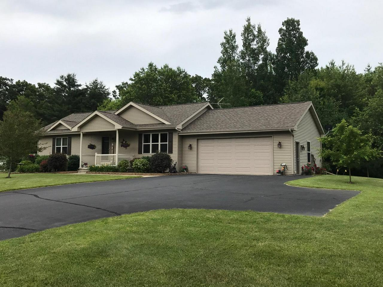 View Single-Family Home For Sale at W1611 County Rd B, Marinette, WI