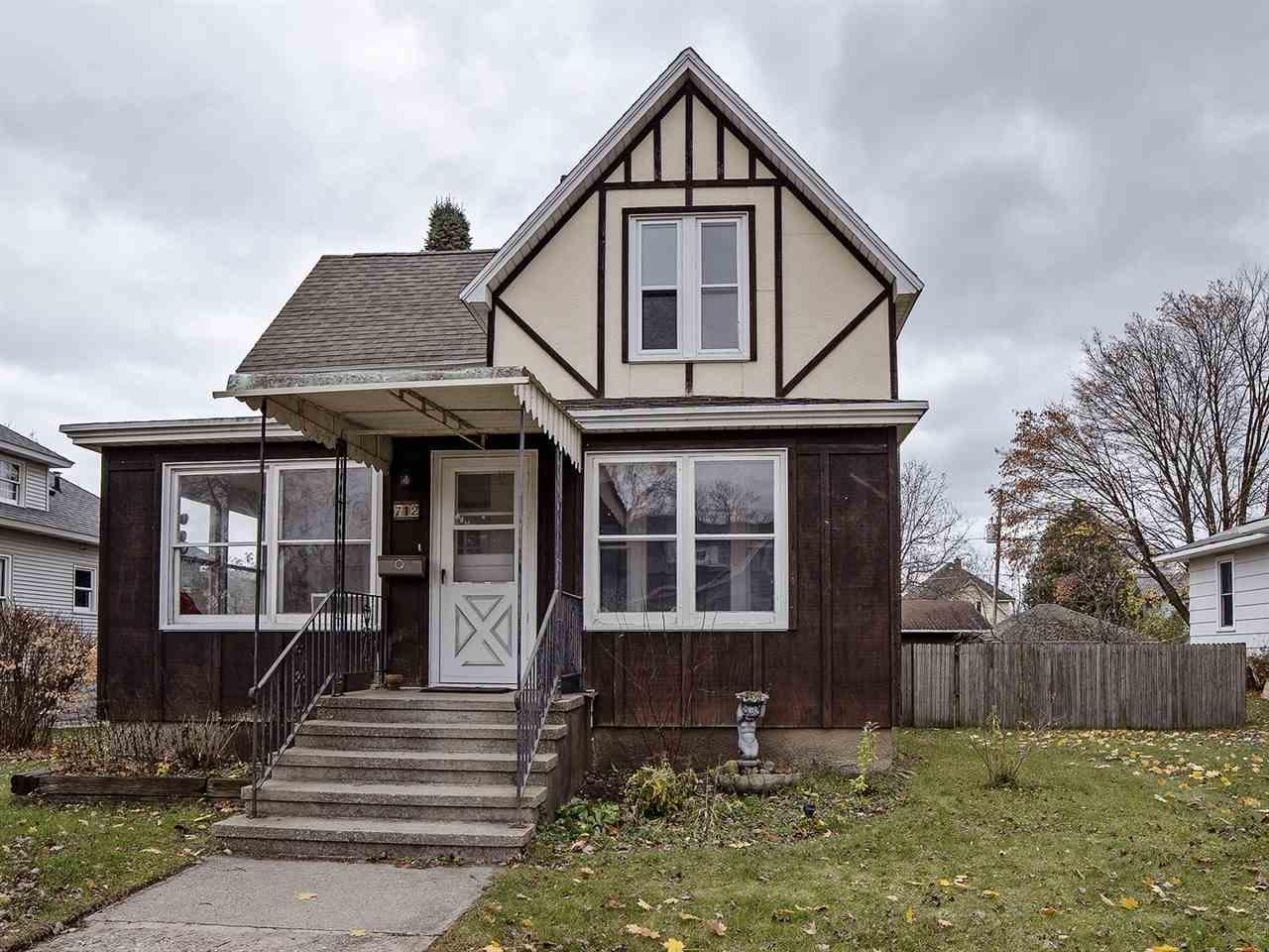 View Single-Family Home For Sale at 712 JACKSON STREET, Marinette, WI