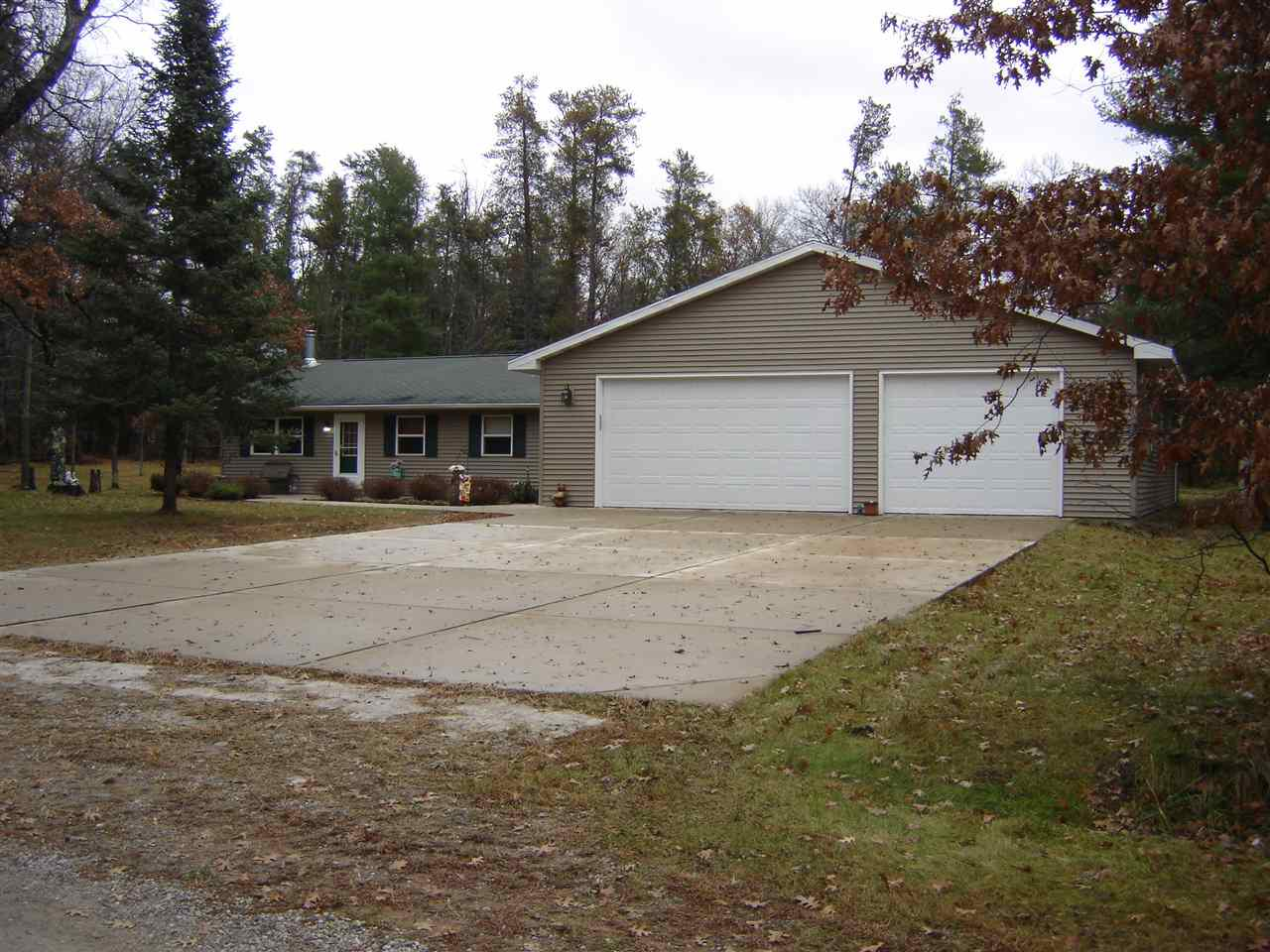 View Single-Family Home For Sale at 15957 VERNON WAY, Crivitz, WI