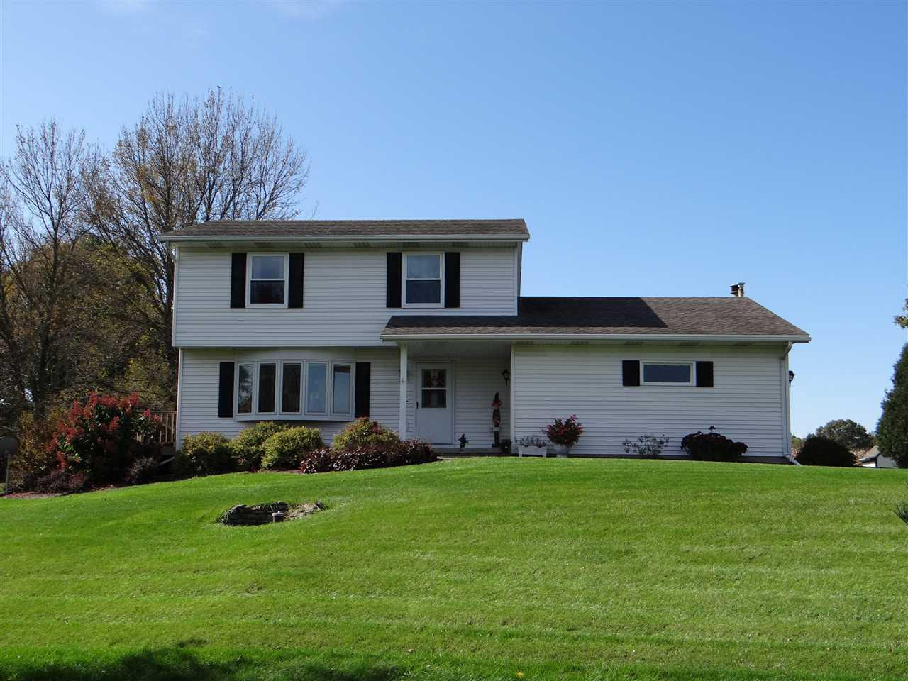 View Single-Family Home For Sale at 271 Bellrose St, Belleville, WI
