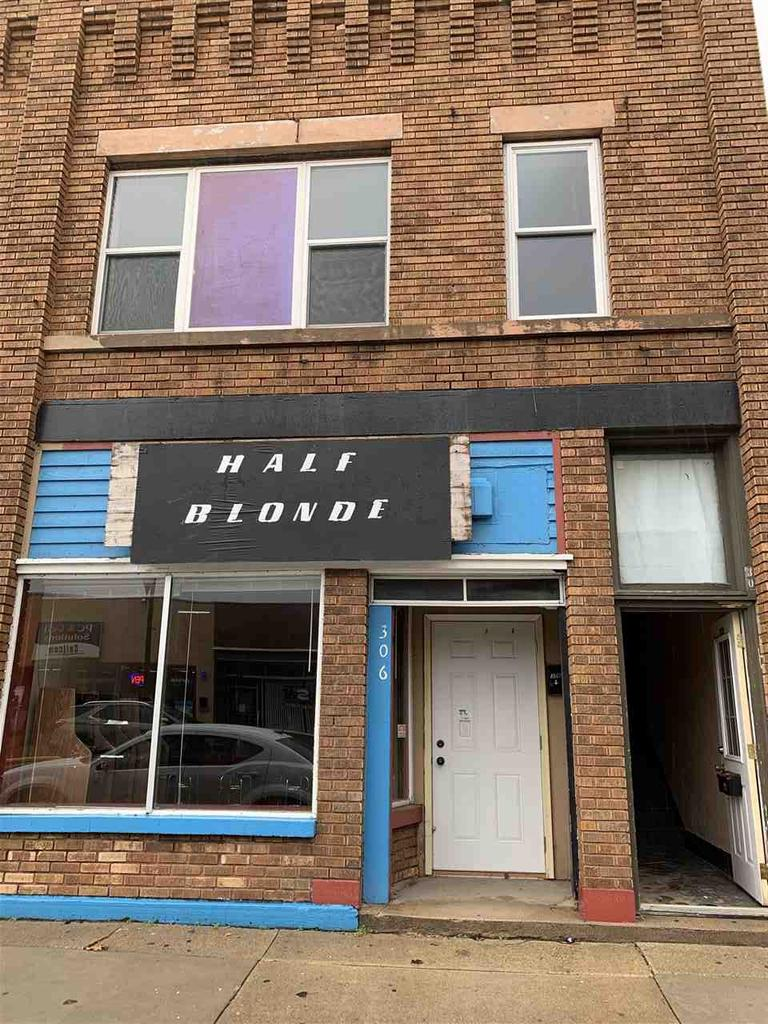 View Commercial For Sale at 306 W NORTH WATER STREET, New London, WI