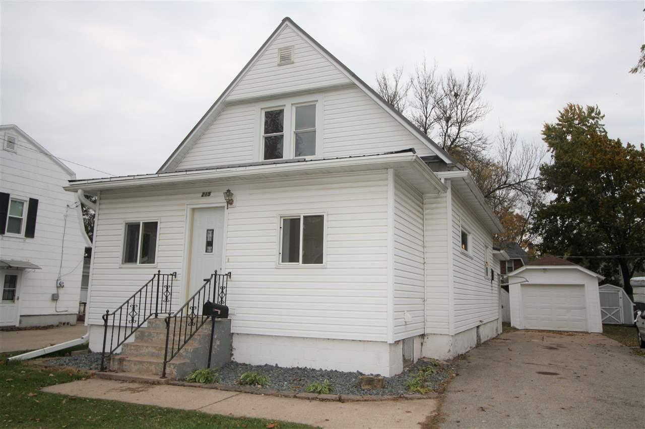 View Single-Family Home For Sale at 215 W QUINCY STREET, New London, WI