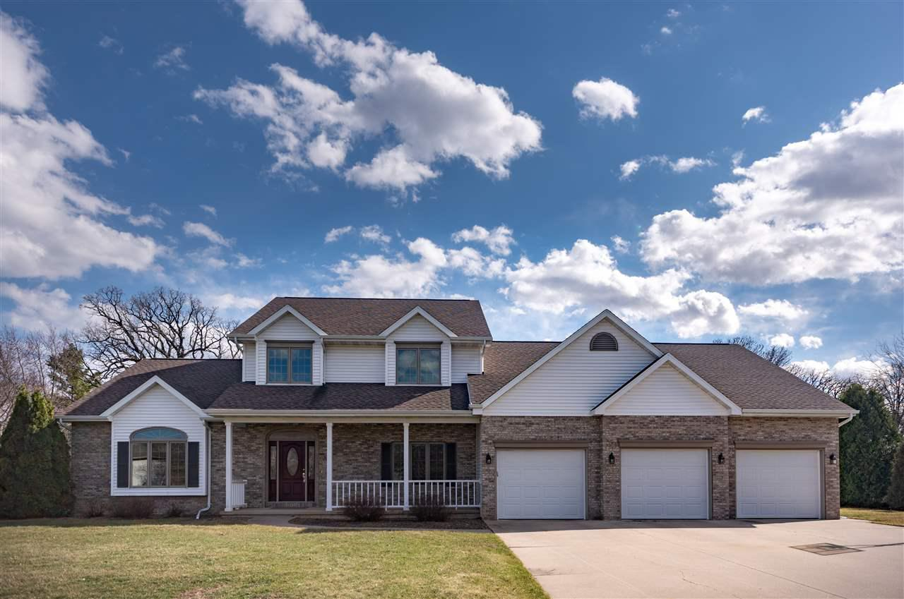 View Single-Family Home For Sale at 3029 PINE RIDGE ROAD, Oshkosh, WI
