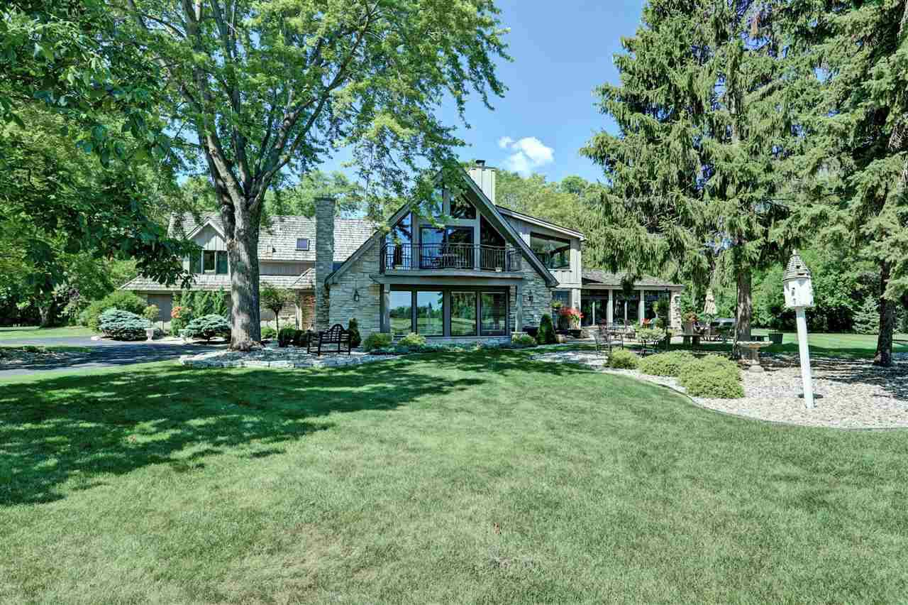 View Single-Family Home For Sale at 100 LIMEKILN DRIVE, Neenah, WI