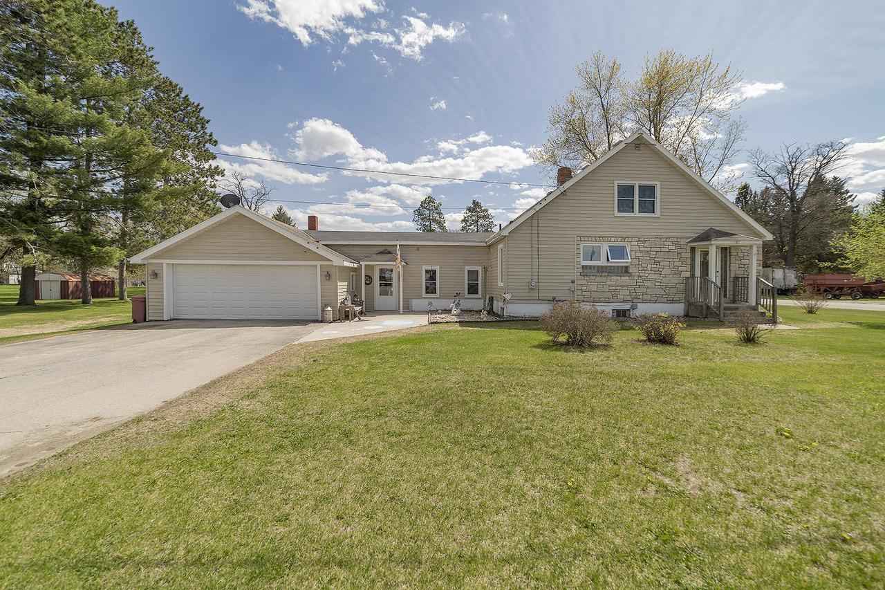View Single-Family Home For Sale at 717 Anderson Ave, Crivitz, WI