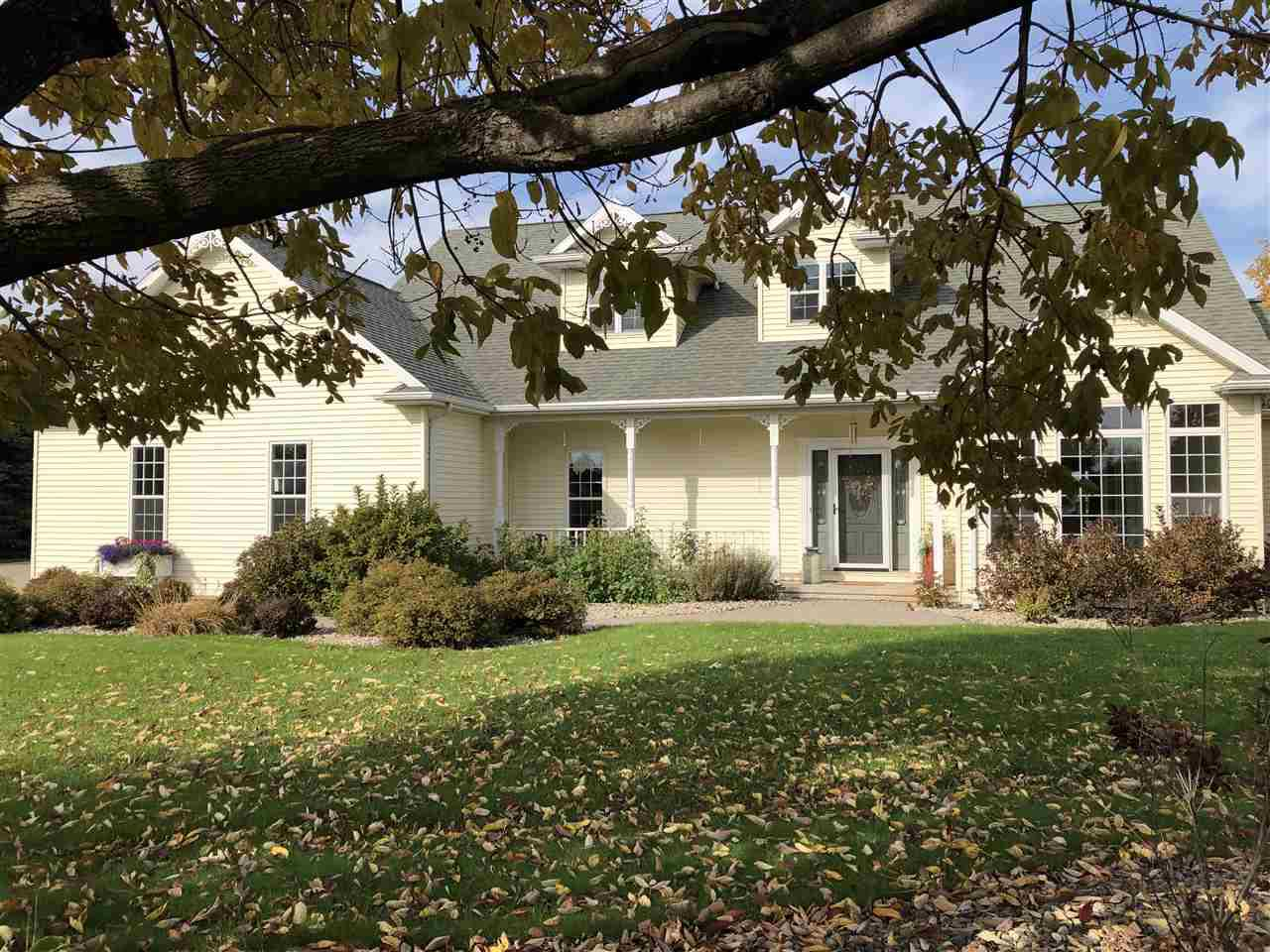 View Single-Family Home For Sale at 7573 SUNBURST LANE, Neenah, WI