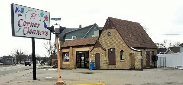 View Commercial For Sale at 1305 Pierce Ave, Marinette, WI