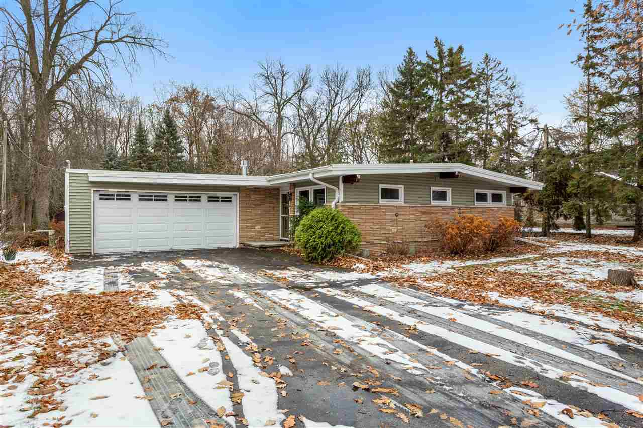 View Single-Family Home For Sale at 543 CHAIN DRIVE, Appleton, WI