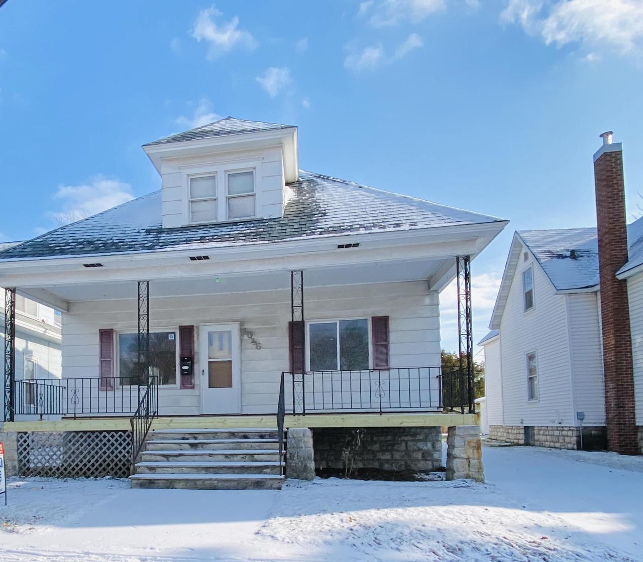 View Single-Family Home For Sale at 1046 Marinette Ave, Marinette, WI