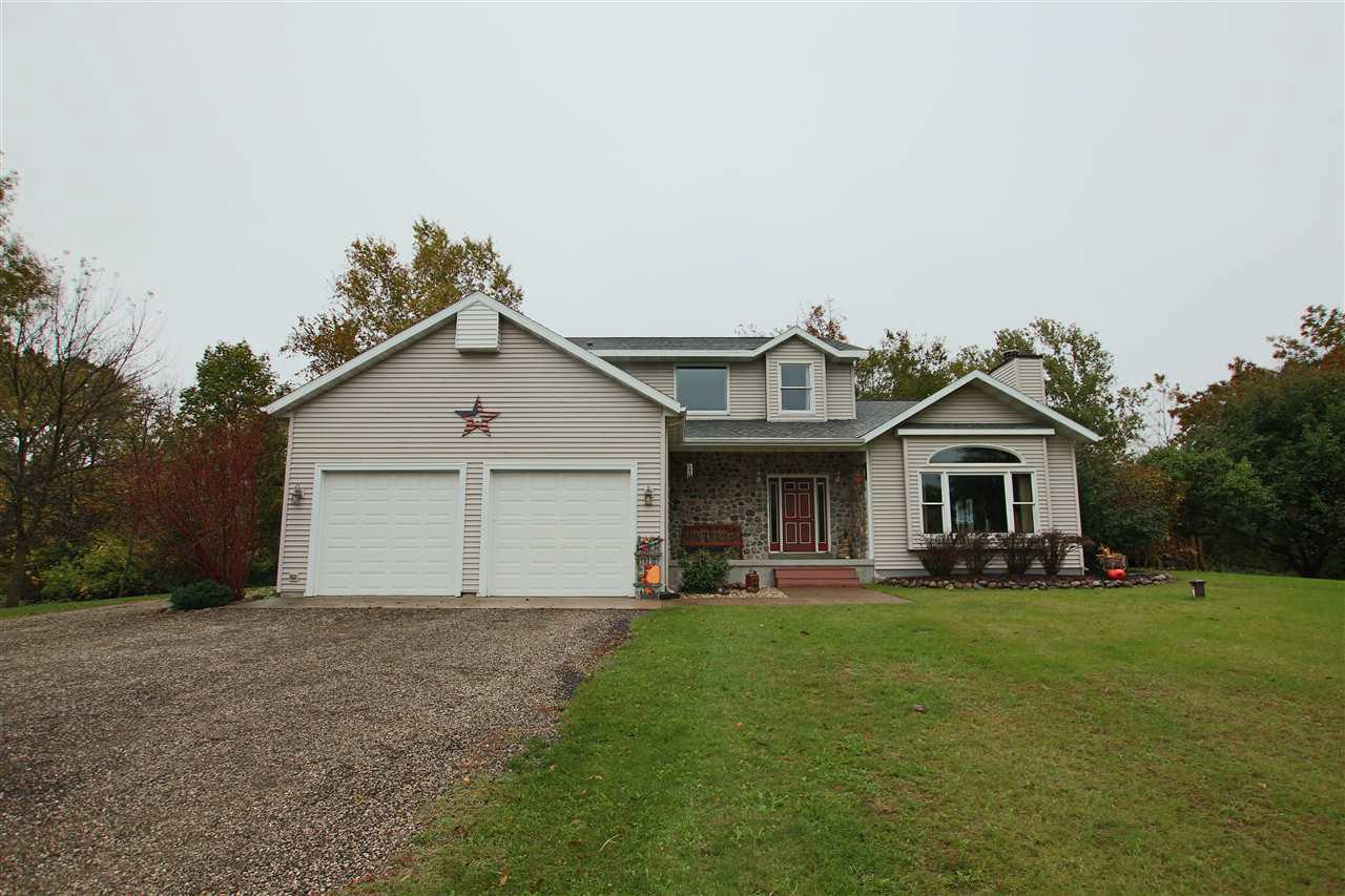 View Single-Family Home For Sale at N8846 HWY VV, Berlin, WI