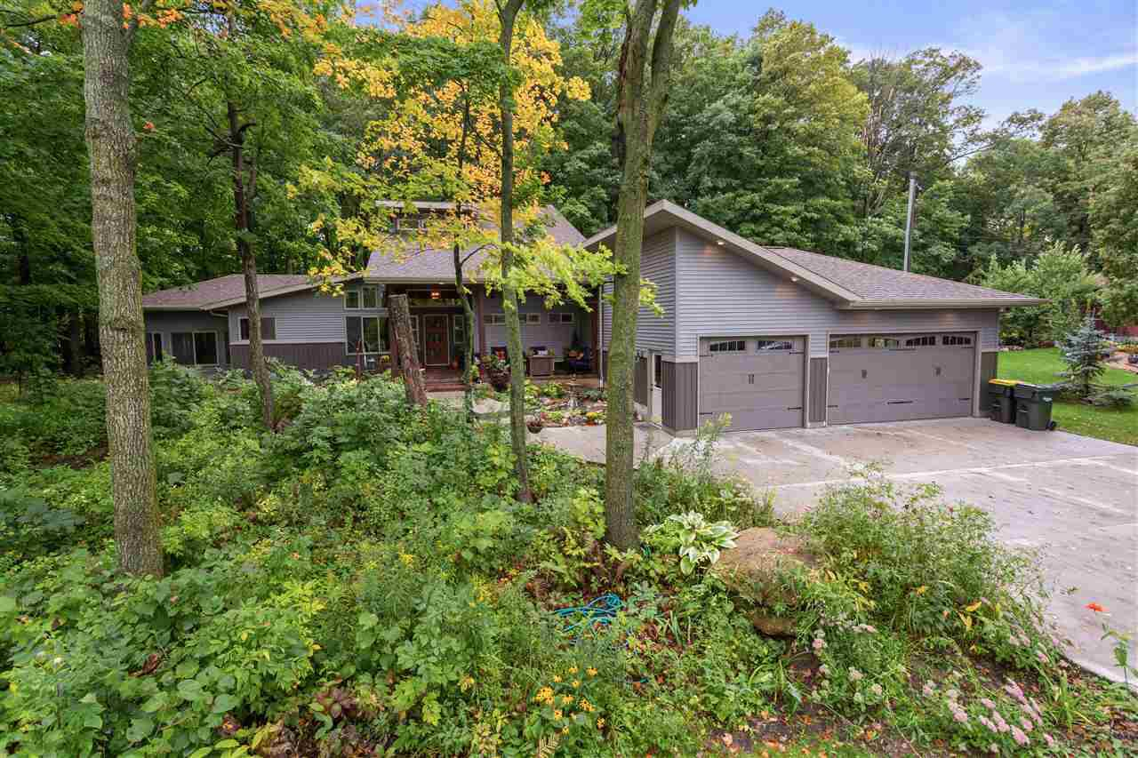 View Single-Family Home For Sale at 2831 WINNEGAMIE DRIVE, Appleton, WI