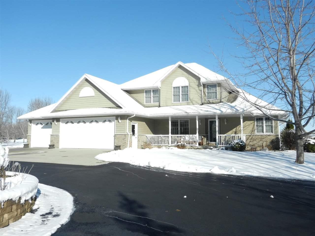 View Single-Family Home For Sale at 2006 INDIAN POINT ROAD, Oshkosh, WI