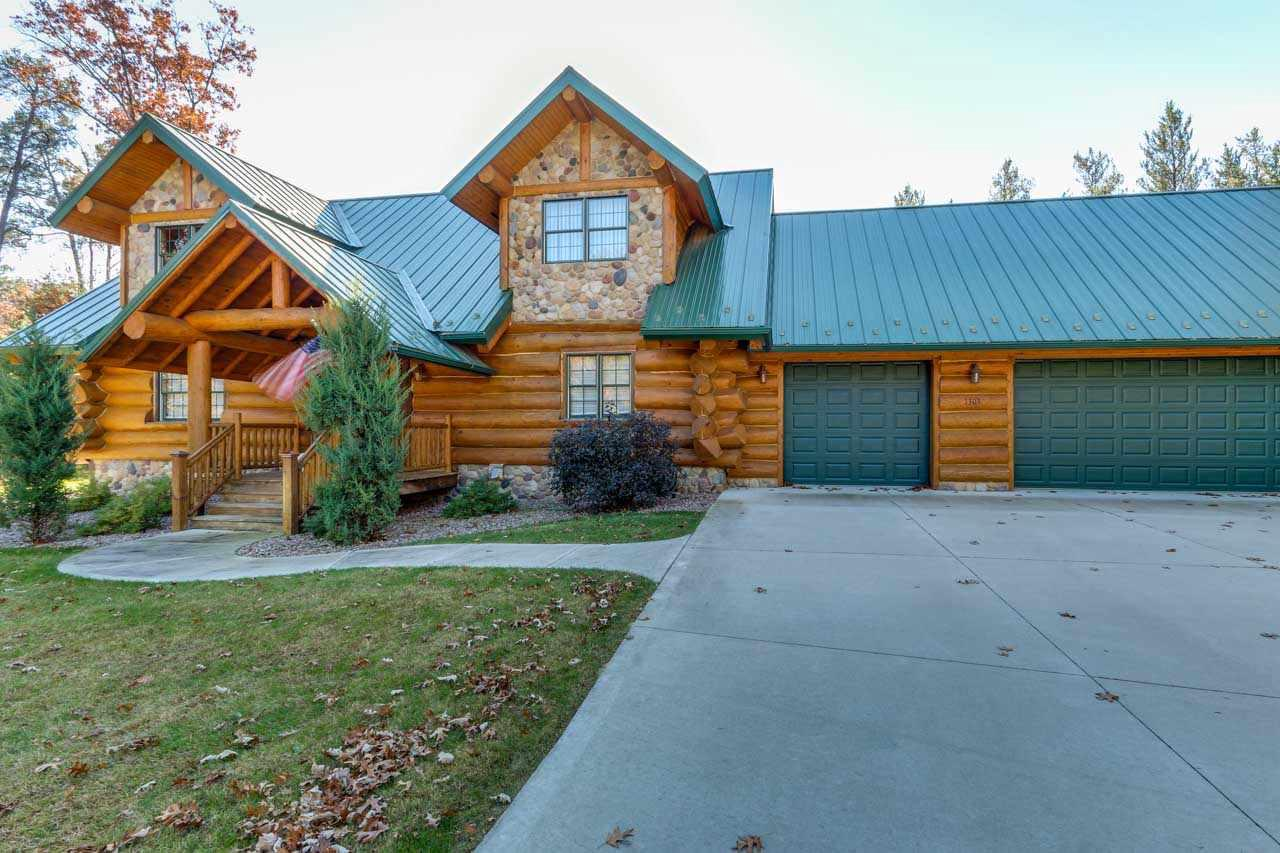 View Single-Family Home For Sale at 1303, 1305 Arrowhead Tr, Nekoosa, WI
