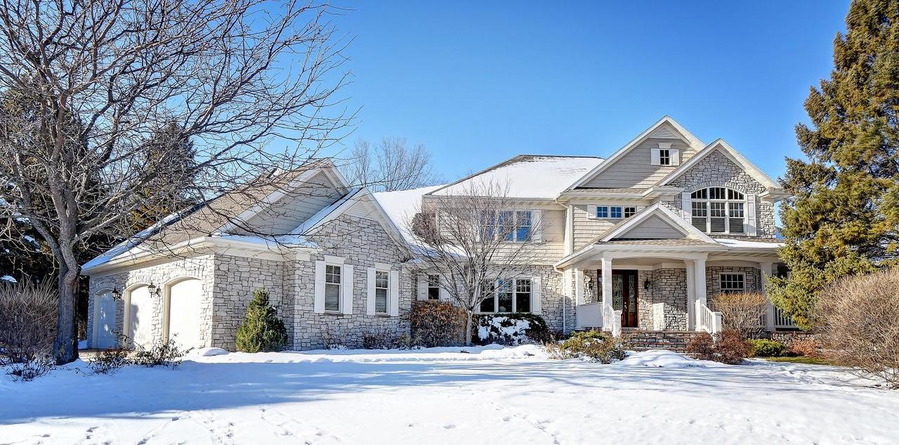 View Single-Family Home For Sale at 1509 Hidden Acres Ln, Neenah, WI
