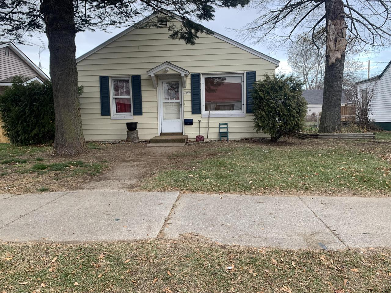 View Single-Family Home For Sale at 2204 15th Ave, MENOMINEE, MI