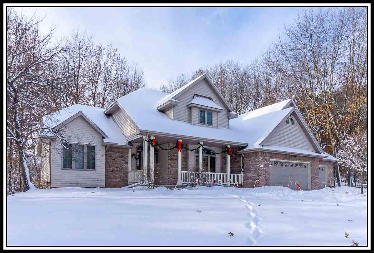 View Single-Family Home For Sale at N3525 SUNSET LANE, New London, WI