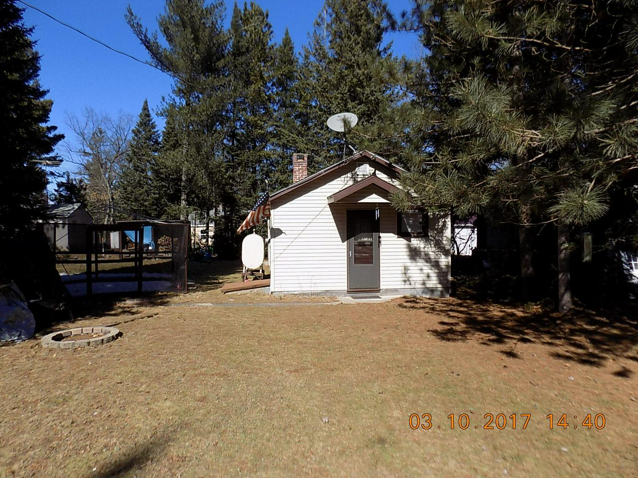View Single-Family Home For Sale at 11896 Schmidt Ln, Crivitz, WI