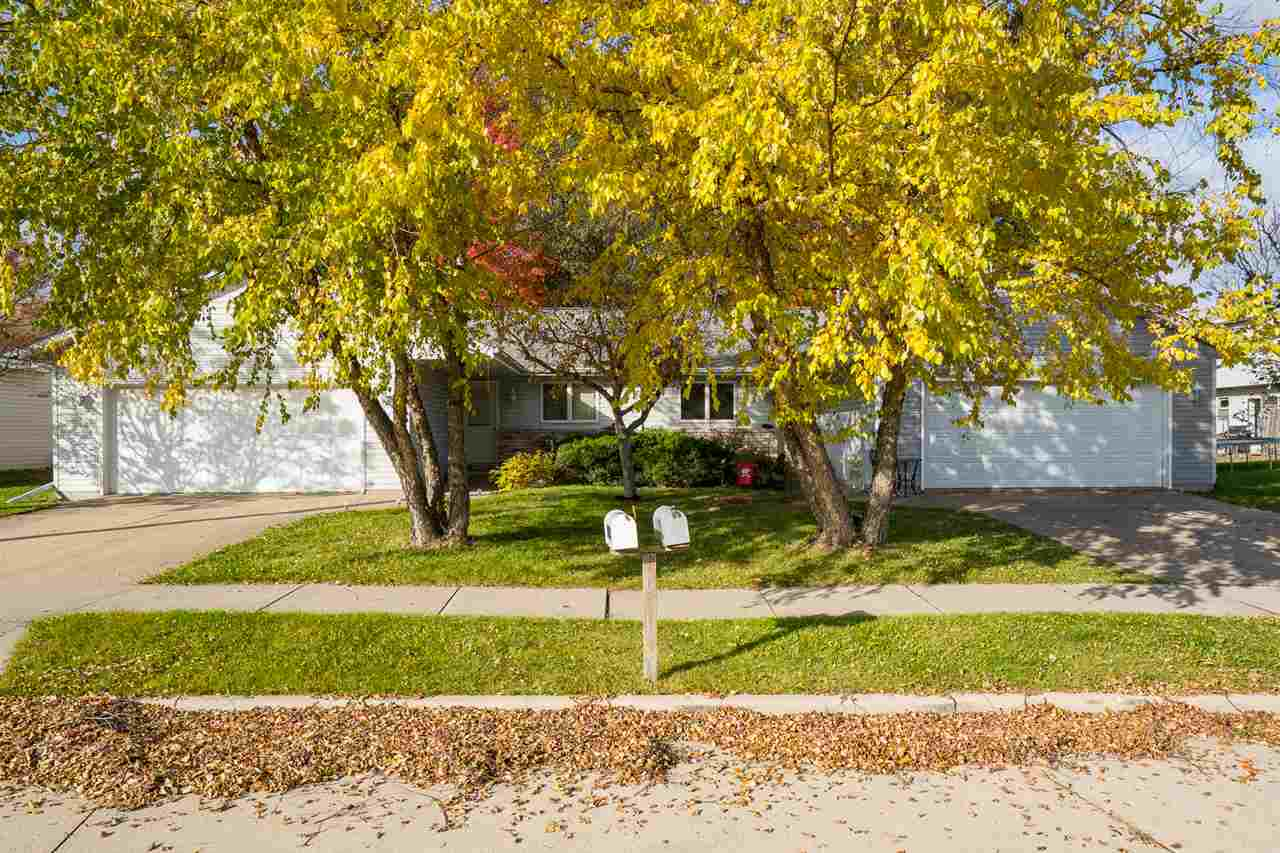 View Multi-Family For Sale at 1433 NORTHVIEW LANE, Little Chute, WI