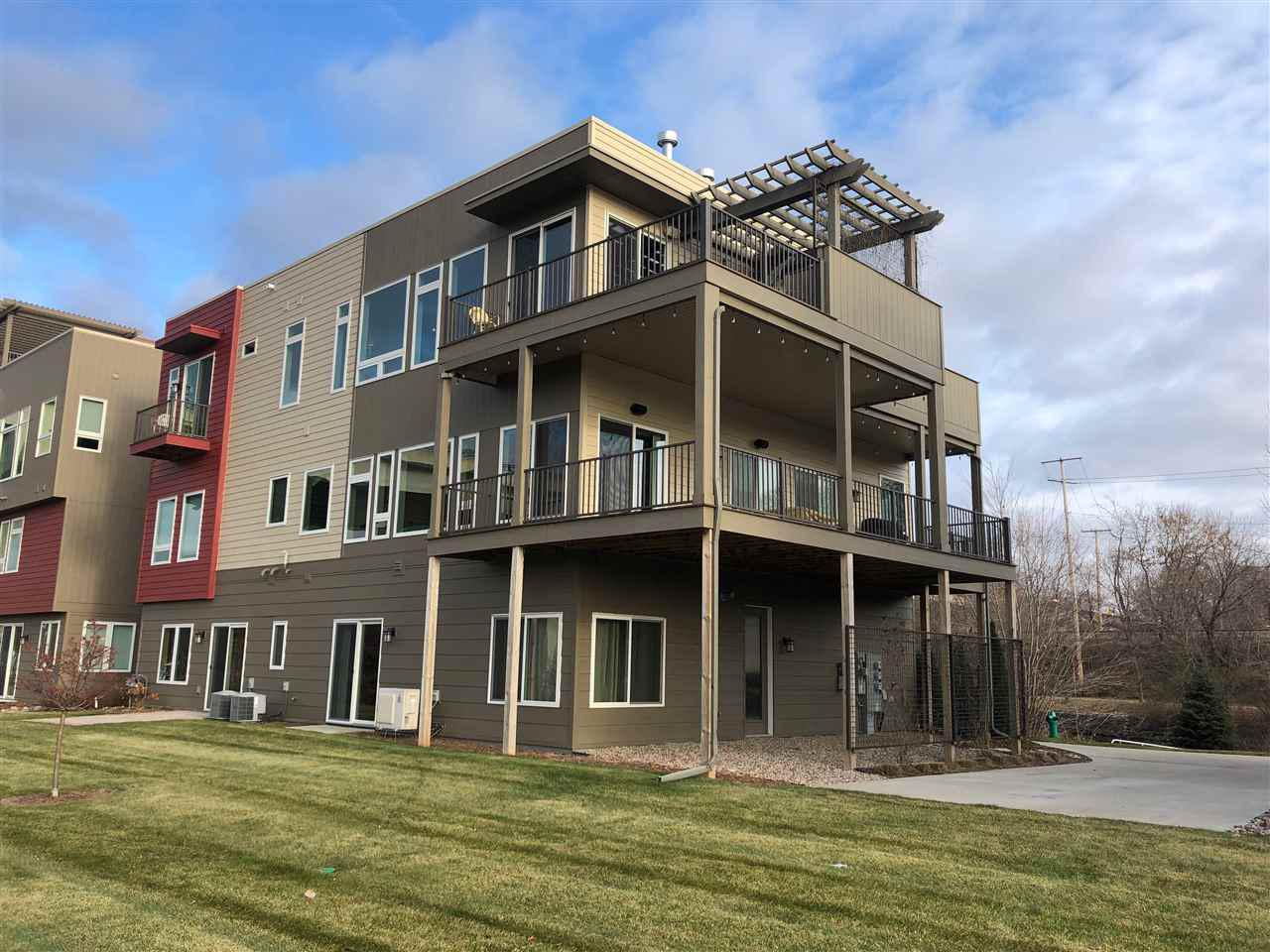 View Condo For Sale at 1147 BANTA COURT, Appleton, WI