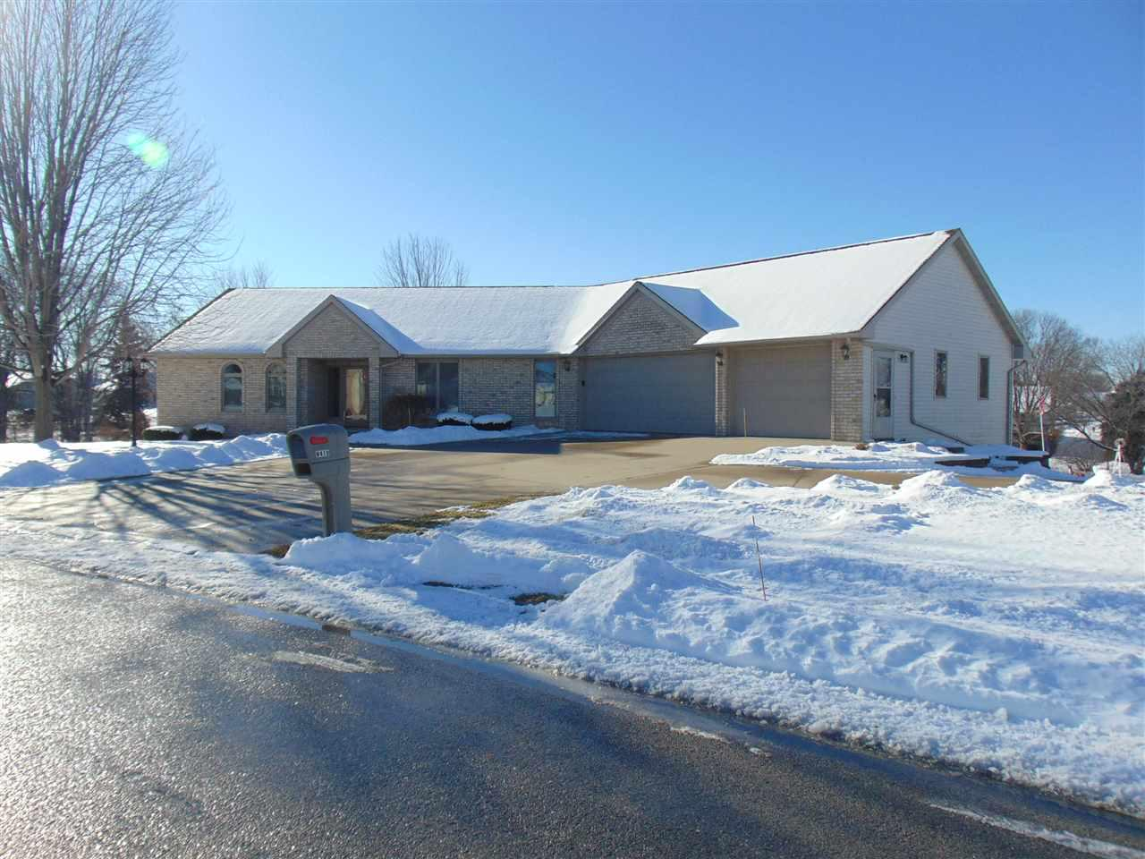 View Single-Family Home For Sale at N419 FONTANA WAY, Appleton, WI