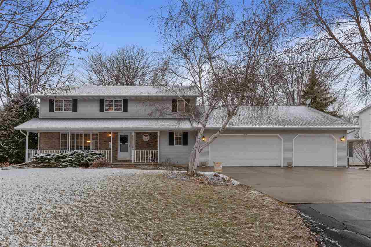 View Single-Family Home For Sale at N371 TAMARACK DRIVE, Appleton, WI