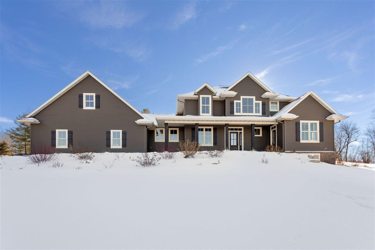 View Single-Family Home For Sale at W10233 CLOVERLEAF ROAD, Hortonville, WI