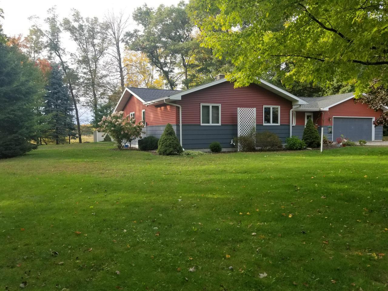 View Single-Family Home For Sale at N3379 Right of Way Rd, Peshtigo, WI