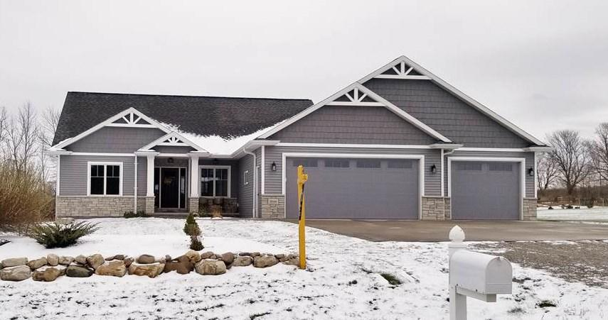 View Single-Family Home For Sale at W7499 CROSS COUNTRY LANE, Hortonville, WI