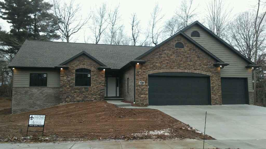 View Single-Family Home For Sale at 867 LINCOLN CASTLE DRIVE, Green Bay, WI