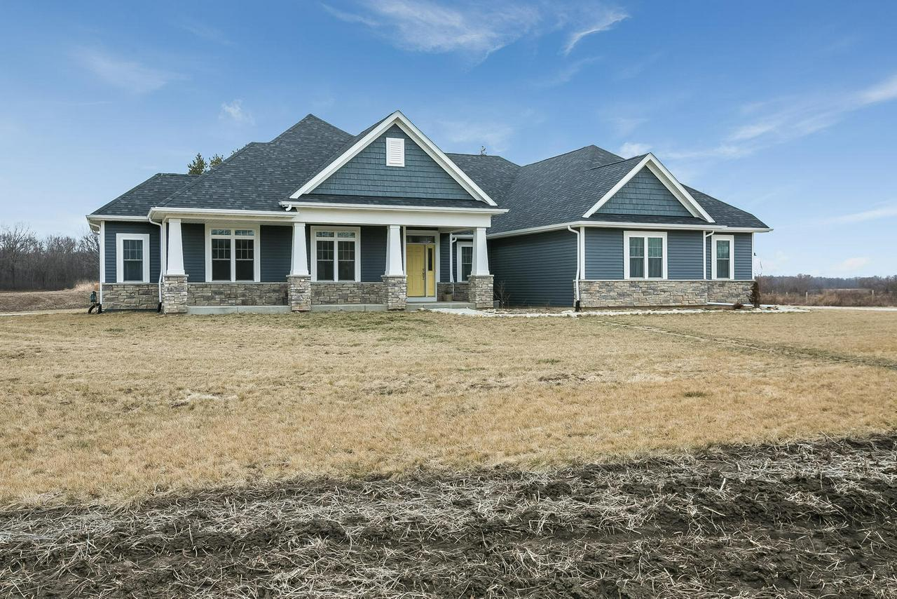 View Single-Family Home For Sale at 9502 W 5 Mile Rd, Franksville, WI