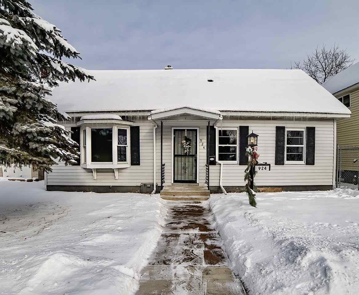 View Single-Family Home For Sale at 924 MILLER STREET, Marinette, WI