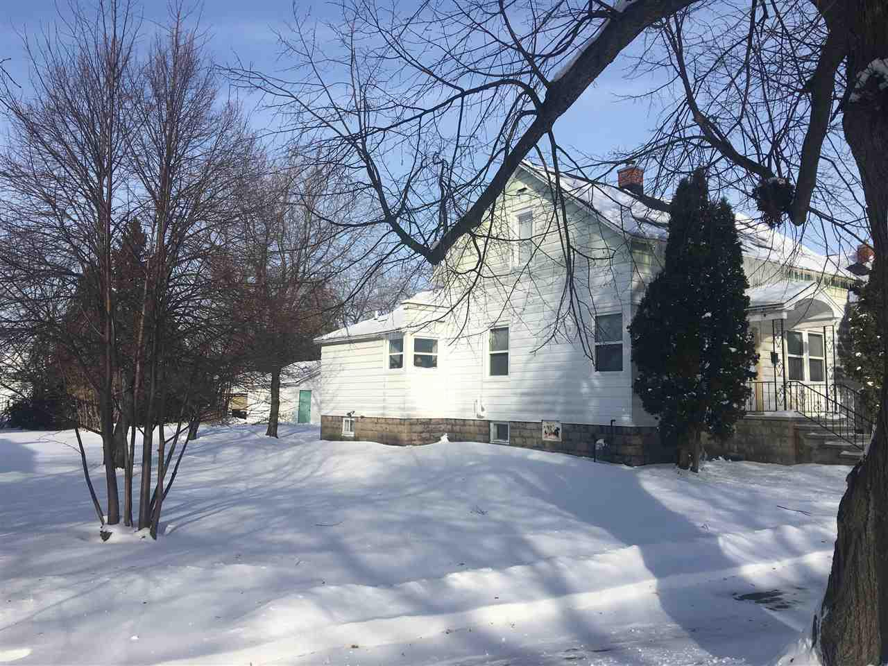 View Single-Family Home For Sale at 906 PARNELL STREET, Marinette, WI