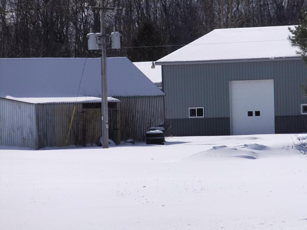 View Commercial For Sale at W5475 Elmwood Rd, Abbotsford, MI