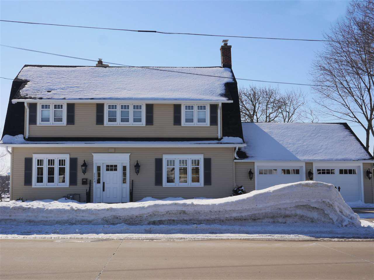 View Single-Family Home For Sale at 253 W WISCONSIN AVENUE, Kaukauna, WI