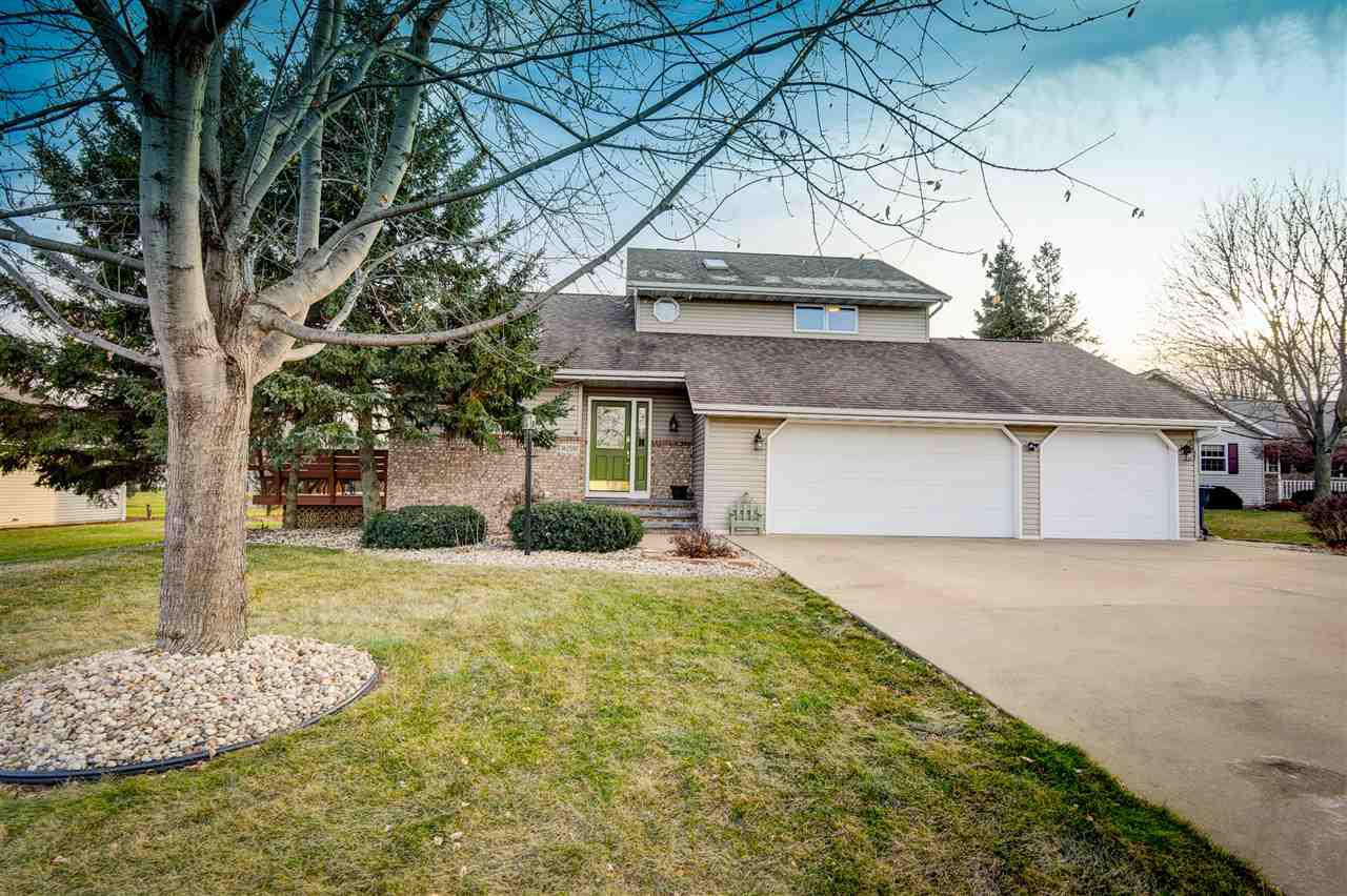 View Single-Family Home For Sale at W2597 ASPEN COURT, Appleton, WI