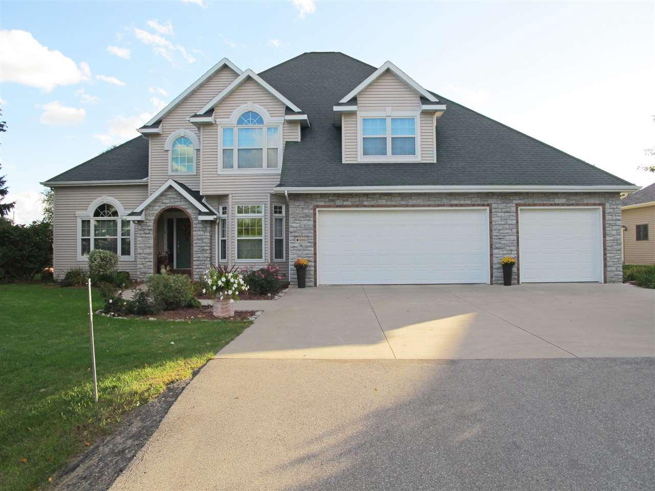 View Single-Family Home For Sale at W5861 ROYALTROON DRIVE, Menasha, WI