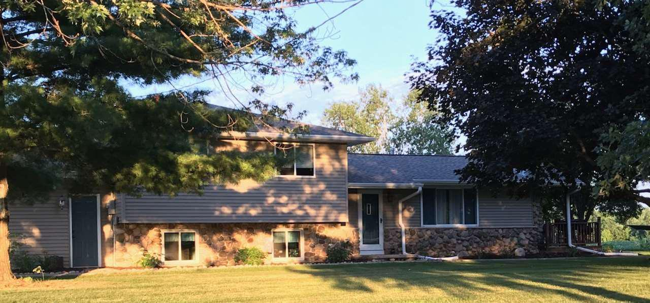 View Single-Family Home For Sale at N9186 SUNSET ROAD, Shiocton, WI