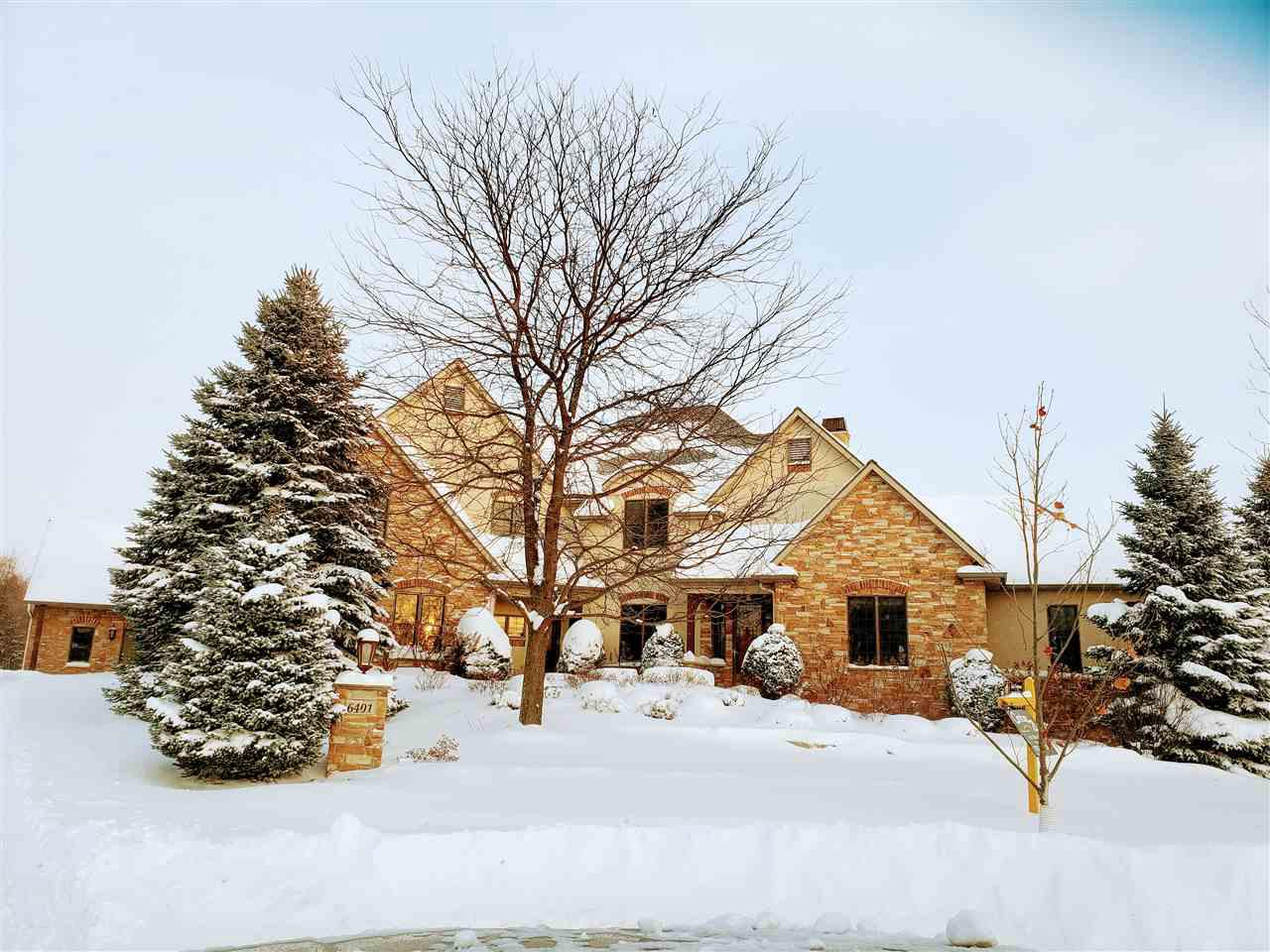 View Single-Family Home For Sale at 6401 N SMOKETREE PASS, Appleton, WI