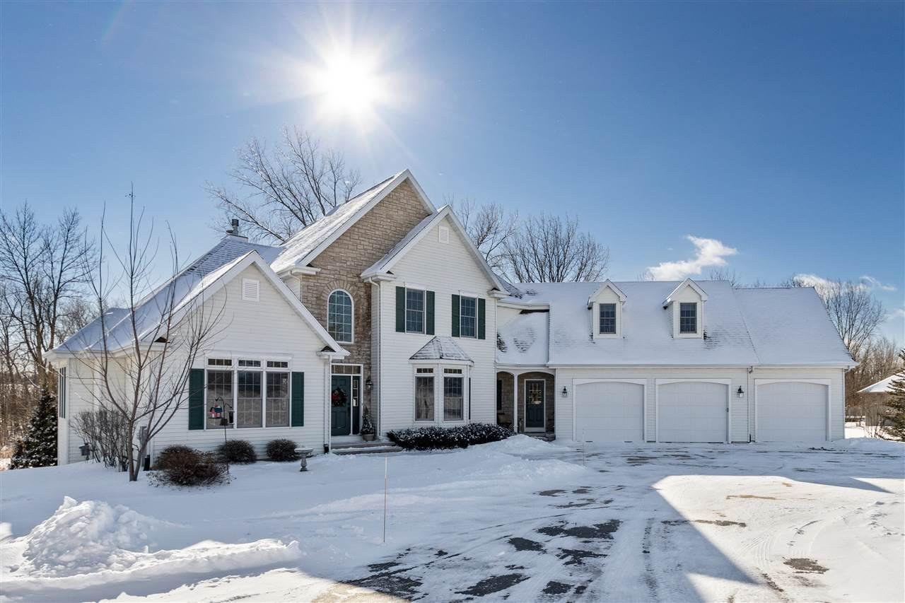View Single-Family Home For Sale at W8583 QUIET LANE, Hortonville, WI