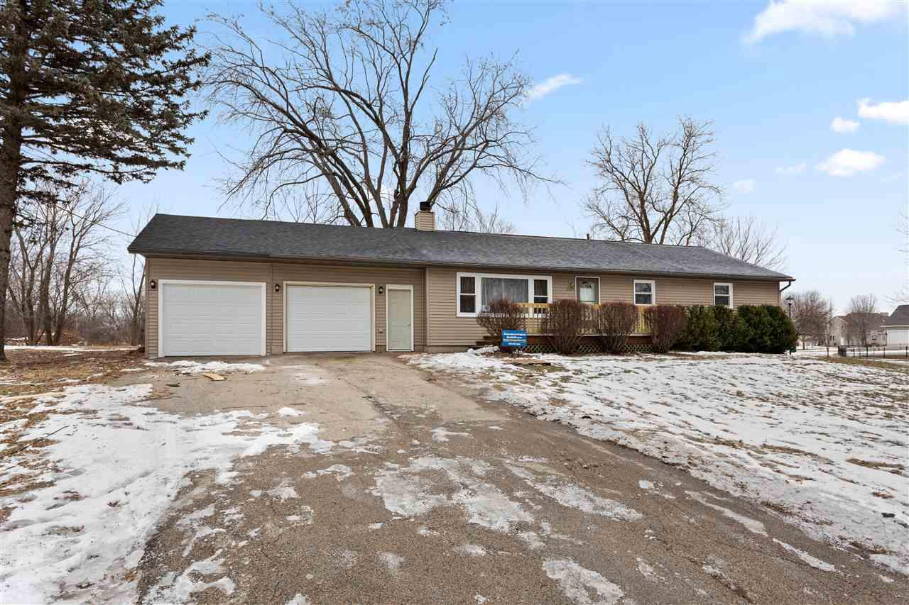 View Single-Family Home For Sale at 2527 W Glendale Ave, Appleton, WI