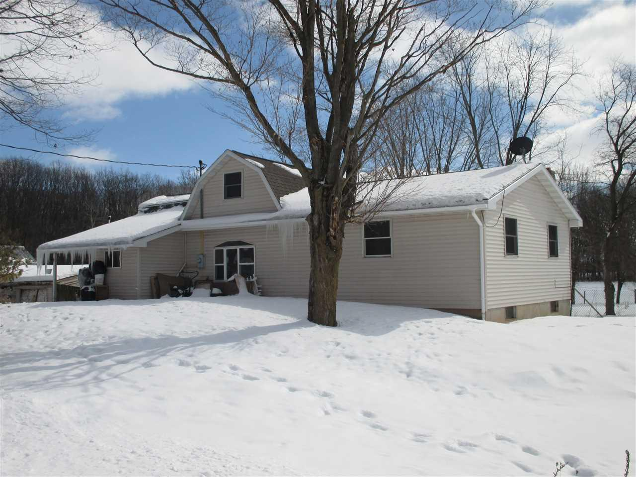 View Single-Family Home For Sale at W1419 RAY ROAD, De Pere, WI