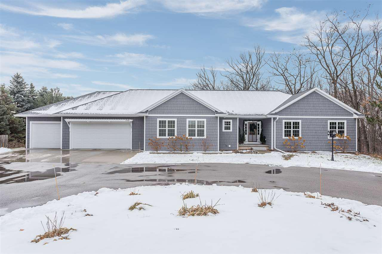 View Single-Family Home For Sale at 2918 MAIN STREET, Green Bay, WI