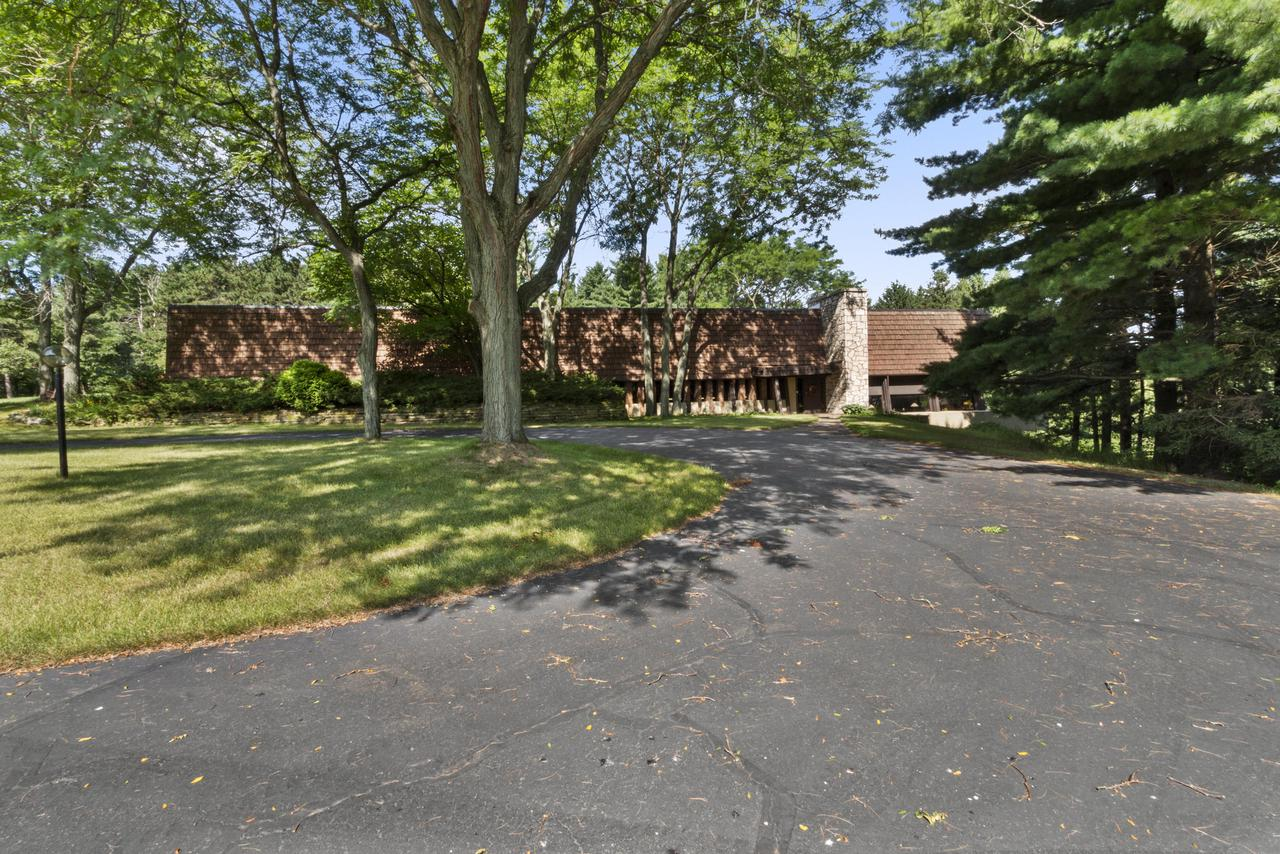 View Single-Family Home For Sale at N2051 Bluebird Rdg, Palmyra, WI
