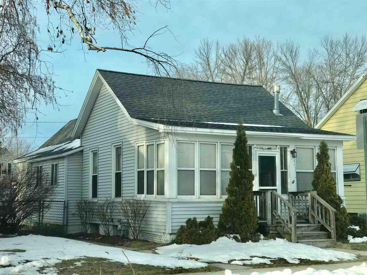View Single-Family Home For Sale at 1226 LOGAN AVENUE, Marinette, WI